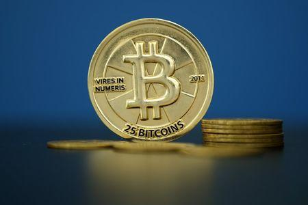 Bitcoin Climbs Above 9,782.4 Level, Up 2%
