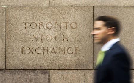 TSX falls 0.22 percent, financials weigh