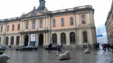 Francês no centro do escândalo do Nobel julgado na Suécia por acusações de estupro