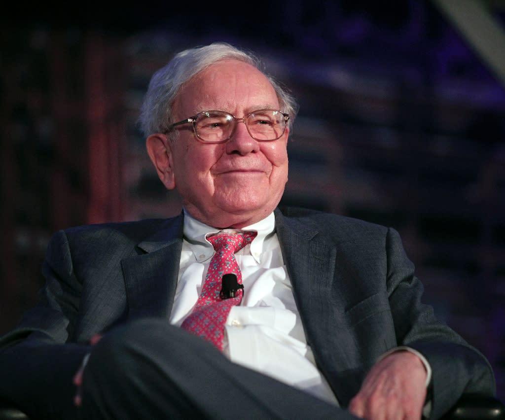 Billionaire investor Warren Buffett speaks at an event on September 18, 2014, in Detroit, Michigan