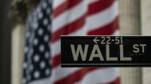 Wall Street cai após aumento no número de pedidos de seguro-desemprego