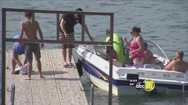 Millerton Lake's warmth, water attracting business