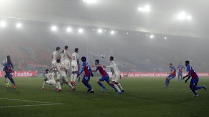Man Utd go missing in the fog as they drift to draw at Crystal Palace