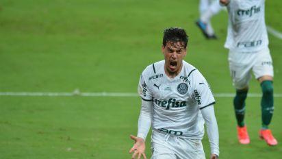 Palmeiras mostra evolução e sai na frente do Grêmio na final da Copa do Brasil