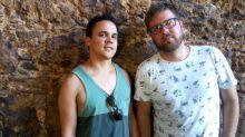 Casal vítima de homofobia dá relato emocionante sobre fúria dos vizinhos