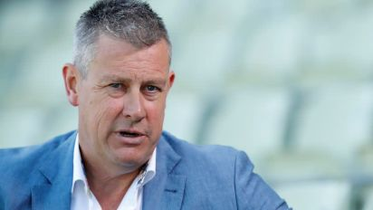 Players can't stay in 'bubbles' too long, says ECB's Giles