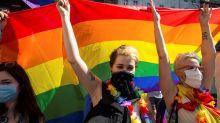 Parlamento Europeu condena Polônia por violação de direitos LGBT no país