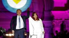 """Fernández se compromete a """"reducir la pobreza"""" al asumir el mando en Argentina"""