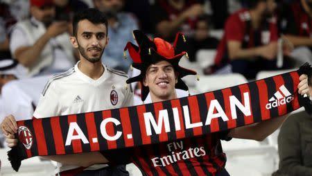 Torcedores do Milan em partida contra a Juventus