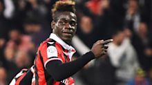 Mario Balotelli scores for Nice and dances on the ball to taunt angry PSG