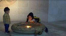 Travesura de niño apaga la llama de la Independencia de México