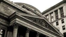 Should We Worry About Esquire Financial Holdings, Inc.'s (NASDAQ:ESQ) P/E Ratio?