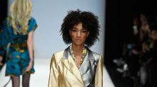 Berlin Fashion Week: Dieser Look von Rebekka Ruétz ist Gold wert
