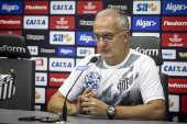 2 - Após eliminação no Estadual, Dorival admite 'pressão' no Santos