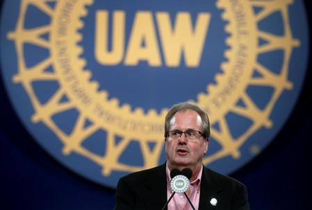 UAW members travel from Lordstown to Detroit for negotiations