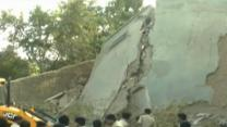 Raw: Building Collapse in India
