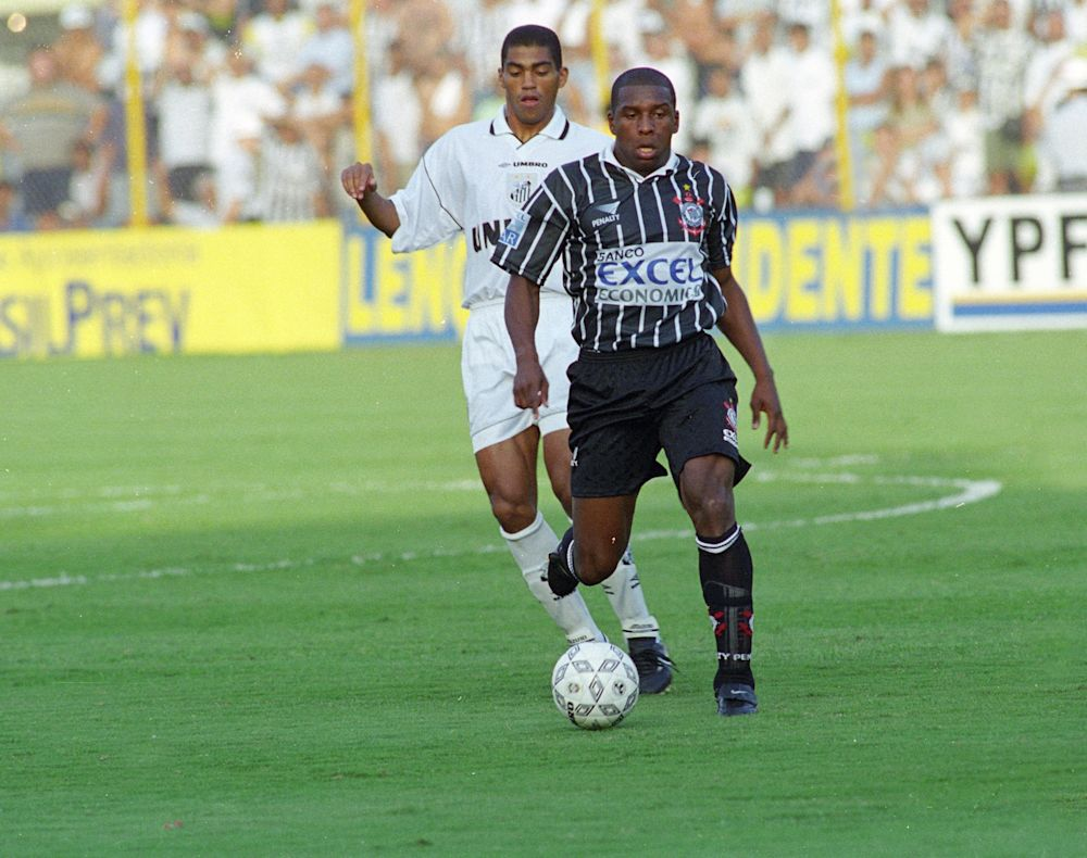Gilmar Fubá atuou no Corinthians entre 1995 e 2000 (Gazeta Press)