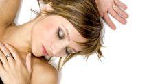 Dormir maquillada: cómo remediar el daño en la piel