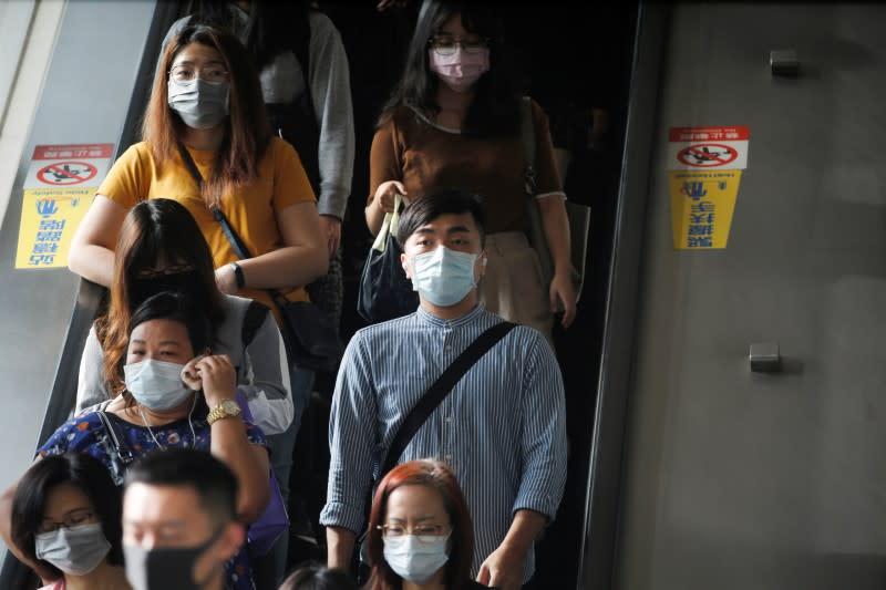 Factbox: Worldwide coronavirus deaths exceed 21,200