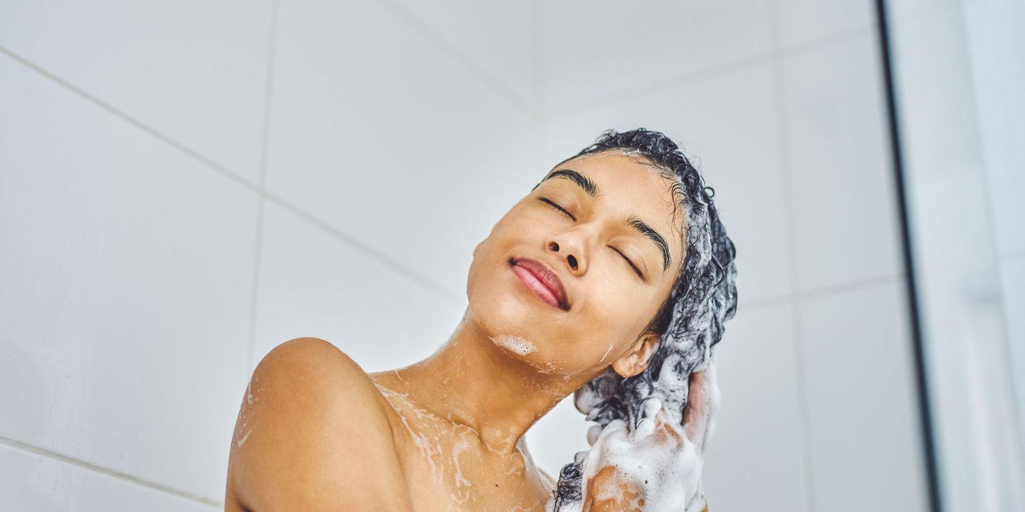 This Reddit User Claims Quitting Hot Showers Cleared Her Acne