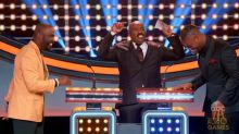 Steve Harvey Rips Le'Veon Bell for Ridiculous Answer on 'Celebrity Family Feud'