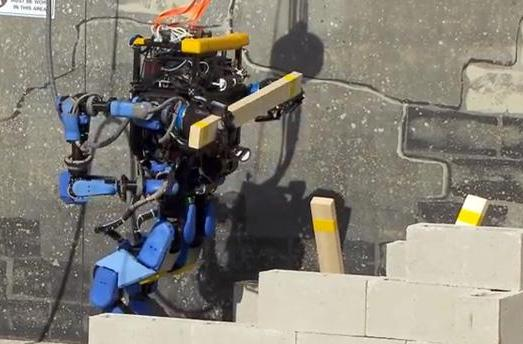 Google-powered machines lead DARPA's Robotics Challenge (video)