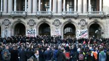 Retraites: l'Opéra de Paris s'enlise dans la grève