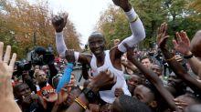 People Are In Tears Over This Athlete's Superhuman Marathon Run