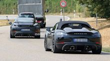 Porsche 718 Cayman GT4 spied on a date with 718 Boxster Spyder