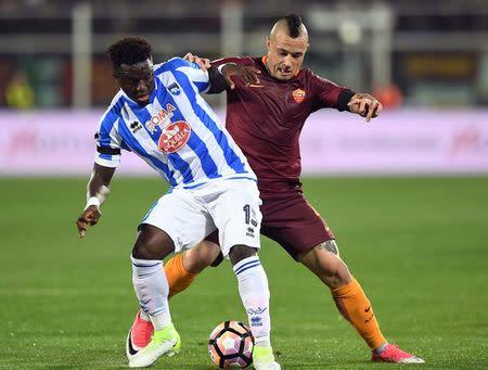Football Soccer - Pescara v AS Roma - Italian Serie A