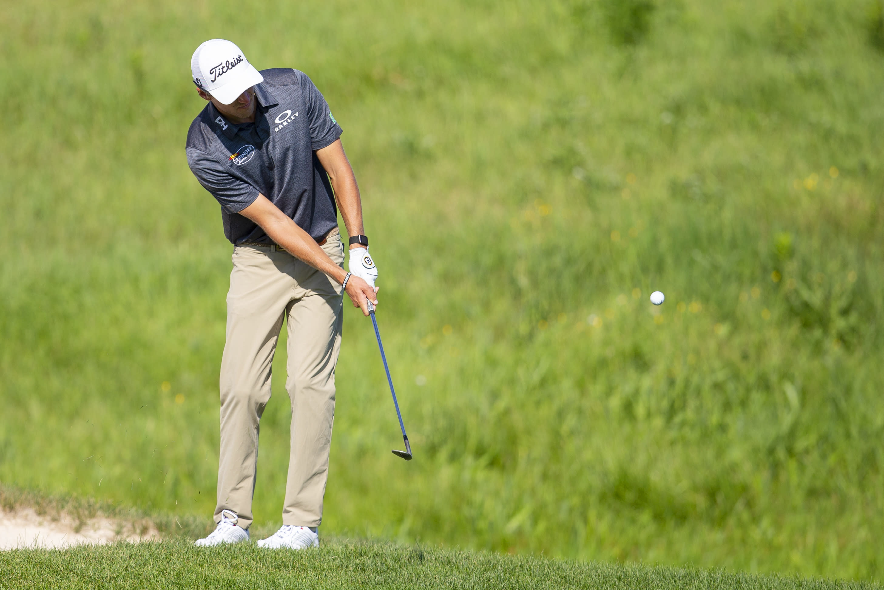 Richy Werenski chips on the 18th hole of the during the first round of the 3M Open golf tournament in Blaine, Minn., Thursday, July 23, 2020. (AP Photo/Andy Clayton- King)