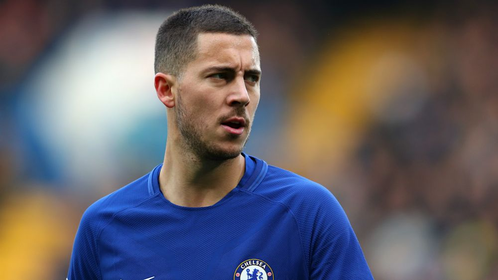 Hazard says he'll sign Chelsea contract after Courtois