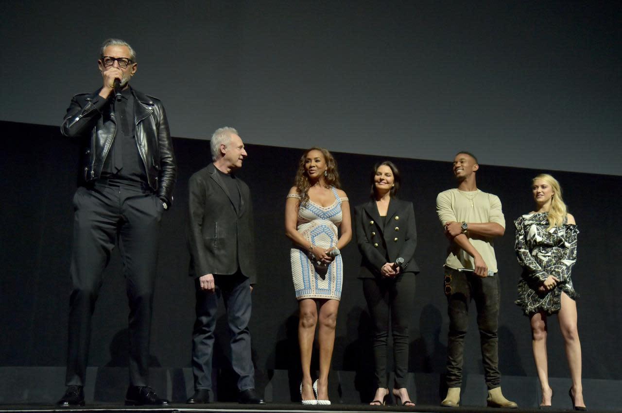 Jeff Goldblum Made 'Independence Day: Resurgence' Cast ...