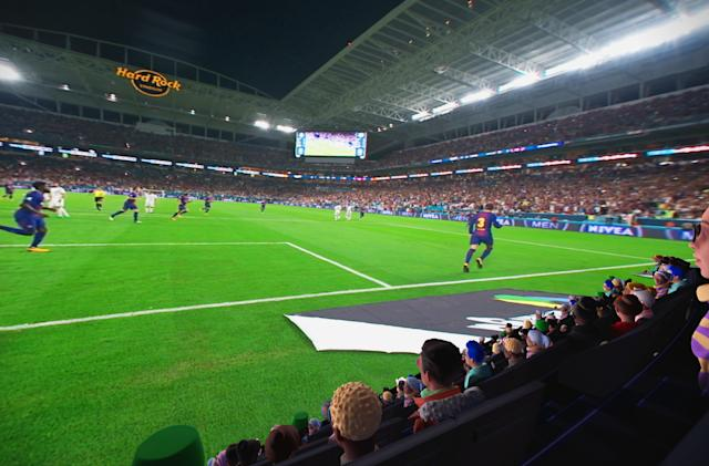 Oculus Venues tries to cram the stadium experience into a VR headset