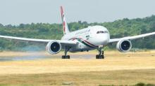 Boeing and Airbus put new jets to the test over Farnborough International Airshow (Video)