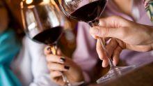 Estudo indica que dieta anti-inflamatória com chocolate, vinho e cerveja pode aumentar a longevidade
