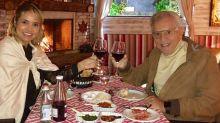 Com passeio de limousine e jantar romântico, Carlos Alberto celebra aniversário de casamento