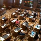 Senate Republicans protest against climate change bill in Oregon