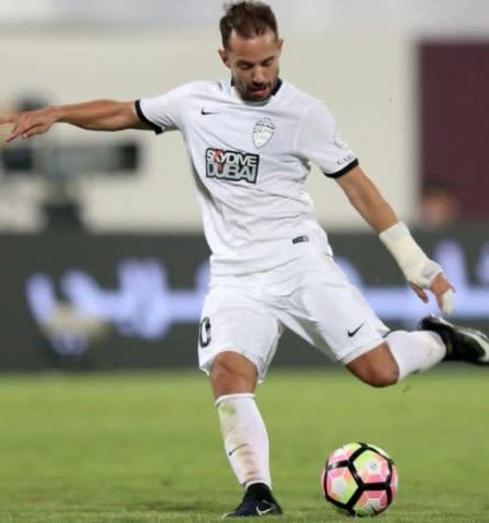 Com mais um golaço de Everton Ribeiro, Al Ahli vence time de Valdívia e segue na luta pelo título