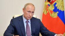 """Alexeï Navalny accuse Vladimir Poutine d'être """"derrière"""" son empoisonnement"""