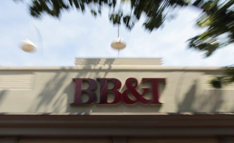 U.S. Fed approves merger between BB&T, SunTrust Banks