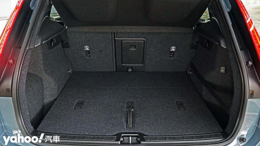 為入門重新定義!2021 Volvo XC40 T3 Momentum城中試駕 - 6