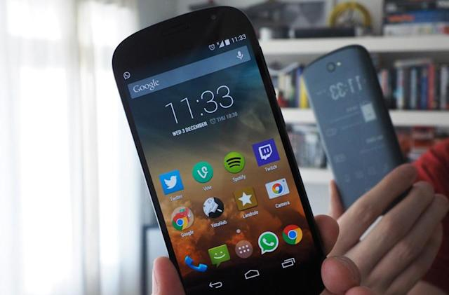 YotaPhone 2 will come to the US via Indiegogo