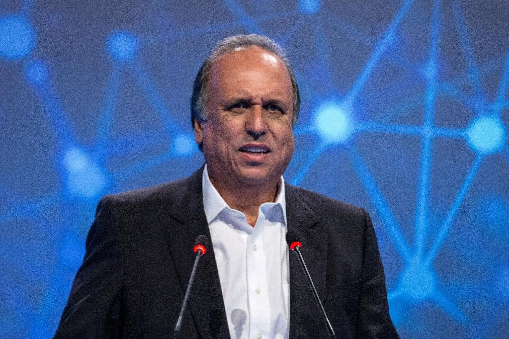 """The governor of Rio de Janeiro, Luiz Fernando Pezao, was arrested over allegations he received bribes as part of the sprawling """"Car Wash"""" graft probe, according to Brazilian media"""