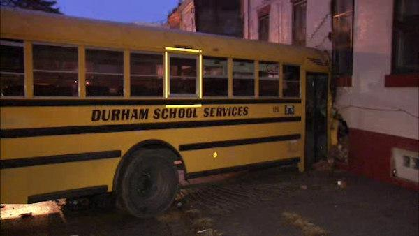 4 children hurt in N. Phila. bus crash