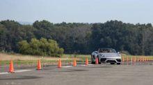 Promessa do automobilismo, adolescente de 16 anos bate recorde do Guiness em Porsche