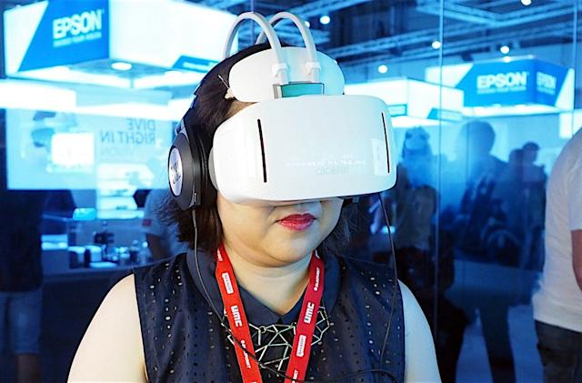Alcatel's standalone VR headset is a tough sell