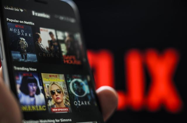 Senators want answers from mobile carriers on video app throttling