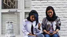 Wie die iranische Mode trotz strenger Kleiderordnung floriert