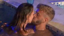 La red señala a Mayka de infiel tras sus besos en la comisura de los labios con Óscar